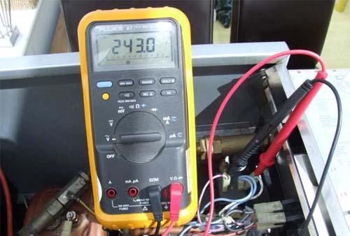 Kavos aparatų remontas - EXPOBAR aparato vožtuvų testavimas